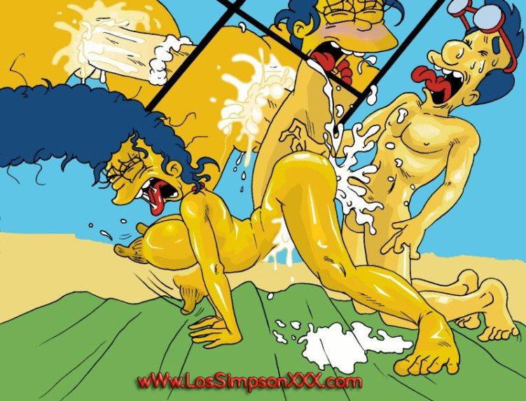 Marge y Milhouse teniendo sexo en la playa
