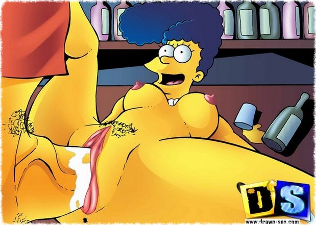 Marge Simpson follada en el bar de Moe
